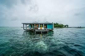 file casa ventanas over water bungalow jpg wikimedia commons