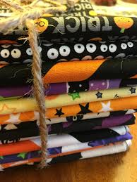 fat quarter bundle of 13 halloween fabrics