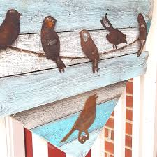 Parrot Decorations Home to easily decorate your home with rustic farmhouse decor