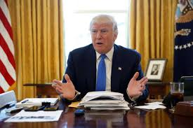 there u0027s a red button on president donald trump u0027s desk for coke
