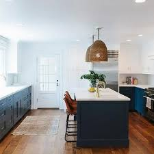 White Kitchen Cabinet Paint by Best 25 Navy Blue Kitchens Ideas On Pinterest Navy Cabinets