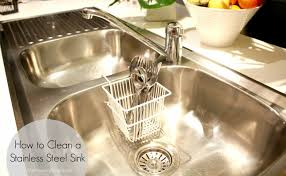 Best Baking Soda Uses For Cleaning Your Kitchen - Cleaning kitchen sink with baking soda