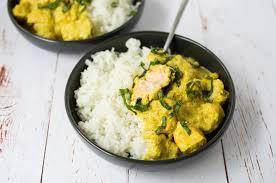 cuisiner saumon congelé une recette de curry au saumon facile et rapide pour un repas