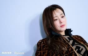 Foto park ju young suami dari kim hee sun