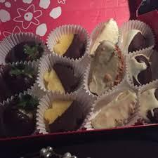 edible deliveries edible arrangements 28 photos 36 reviews gift shops 560 w