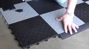 interlocking floor tiles installing