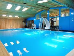 chalet a louer 4 chambres chalets à louer piscine intérieure automne hiver 2018 38