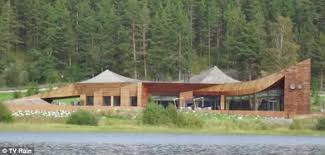Russian Home Vladimir Putin U0027s Country Retreat Has Grass Roof To Hide It From