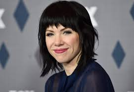 carly rae jepsen hairstyle back carly rae jepsen debuts short blonde haircut twitter reacts