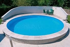 die verschiedenen bauarten von schwimmbecken und pools