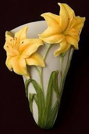 Nice Flower Vases Hummingbird And Hibiscus Table Vase Jarrones Pinterest