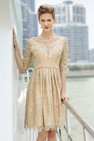 robe beige pour mariage robe dentelle chic luxe pour soirée avec manches courtes