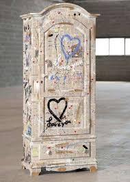carta da parati su armadio decorare un armadio con la carta da parati foto 2 40 design mag