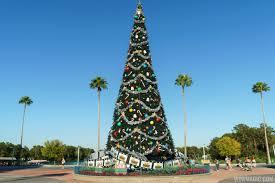 disney u0027s hollywood studios holiday decorations 2015 photo 1 of 20