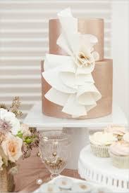 deko hochzeit hochzeitstorte idee metallic glasur eleganz - Tortenstã Nder Hochzeitstorte