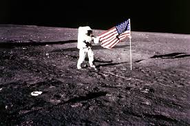 who walked on moon says he knows the about aliens