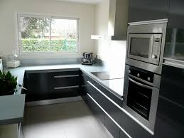 cuisine 7m2 cuisine plan de travail gris
