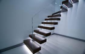freitragende treppen freitragende treppe im spotlicht 29 moderne bolzentreppen