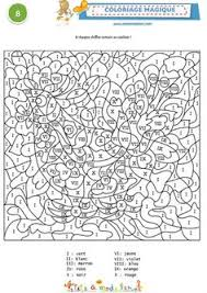 coloriage magique 2 triangles rectangles ronds tête à