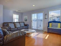 charming upstairs ocean view beach house sleeps 10 newport beach