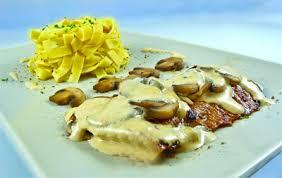 cuisiner escalope de veau recette escalope de veau et chignons à la crème 750g