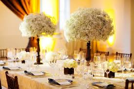baby breath centerpieces wedding centerpieces with baby s breath in wooden vaseswedwebtalks