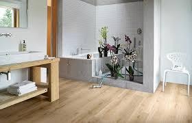 badezimmer laminat laminat fürs bad die anforderungen im überblick