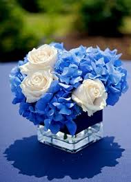 White Roses Centerpiece by Best 25 Blue Flower Centerpieces Ideas Only On Pinterest Blue