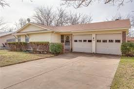 408 wallace dr for rent crowley tx trulia