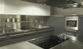 7 raisons de choisir des comptoirs de cuisine en acier inoxydable