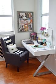 Decorating Ideas For Small Spaces Pinterest by Best 25 Desks For Small Spaces Ideas On Pinterest Small Spaces