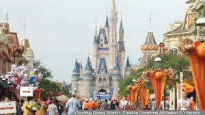 halloween horror nights hurricane matthew orlando theme parks resume normal operations saturday after