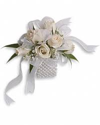 corsages and boutonnieres for prom prom corsages boutonnieres delivery worcester ma herbert berg