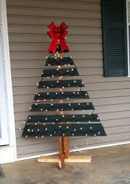 pallet christmas tree pallet tree with lights diy and crafts