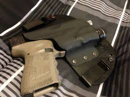 iwb light bearing holster concealment solutions black mamba ce g19 iwb leather kydex hybird