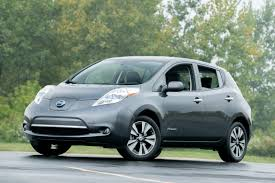 nissan leaf sv vs sl 2013 nissan leaf overview cars com