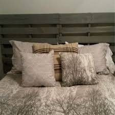 Headboards Made With Pallets 32 Headboard Ideas And Diy Tips For Every Style