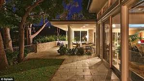 elvis presley and priscilla u0027s beverly hills house hits market at