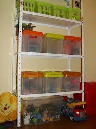 rangement livre chambre rangements de la chambre d enfants rangés des jouets et des livres