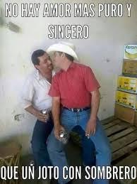 fotos graciosas de hombres borrachos hombres que creen que el sombrero quita lo joto solo risas
