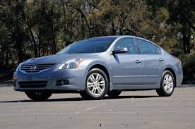car photos 2010 nissan altima delightfully predictable