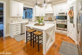 fixer kitchen cabinets sherwin williams alabaster kitchen cabinets tucker