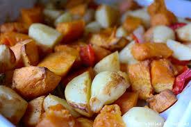 cuisiner patate douce poele patates douces et pommes de terre rôties au four
