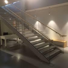 escalier garde corps verre galeries style métal élégance