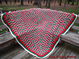 easy crochet pattern crocheted christmas afghans and tree skirt