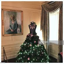 Christmas Decorations In White House by White House Holiday Decorations Pictures Getty Images
