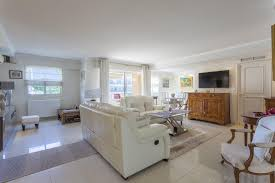 spacius spacious apartment with sea view on palm beach in cannes