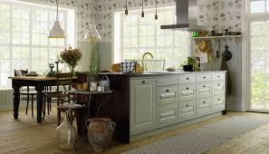 kök med platsbyggd känsla plus serien marbodal