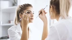 how to touch up your makeup midday l u0027oréal paris