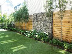 Fence Line Landscaping by Brise Vue Balcon En Quelques Idées Intéressantes Backyard